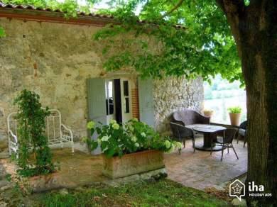 Location-vacances-charme-Penne-d-agenais-Maison-de-charme-en-pierre_6