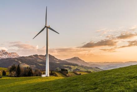 wind-turbine-2218457_960_720